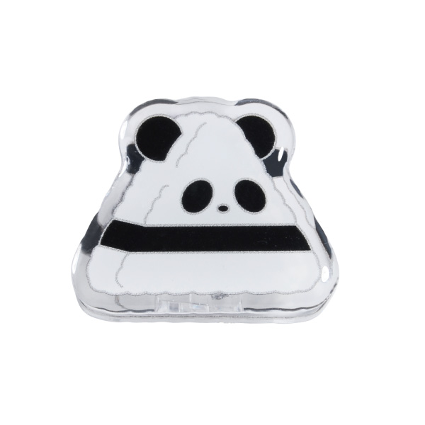 The pattern of the acrylic clip which is a cute panda cake